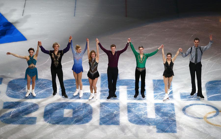 Team Event Figure Skating Celebration ©GettyImages